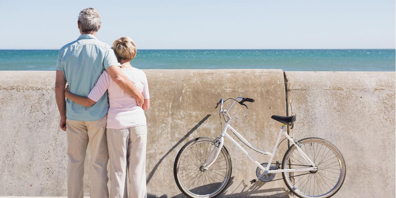 Photo d'un couple de retraités